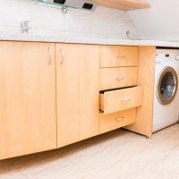 Tischlerei Friedheim Badezimmer Unterschrank mit verbauter Waschmaschine