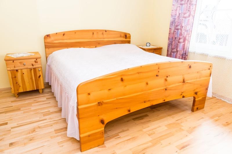 schlafzimmer deckenlampe raum und m beldesign inspiration. Black Bedroom Furniture Sets. Home Design Ideas
