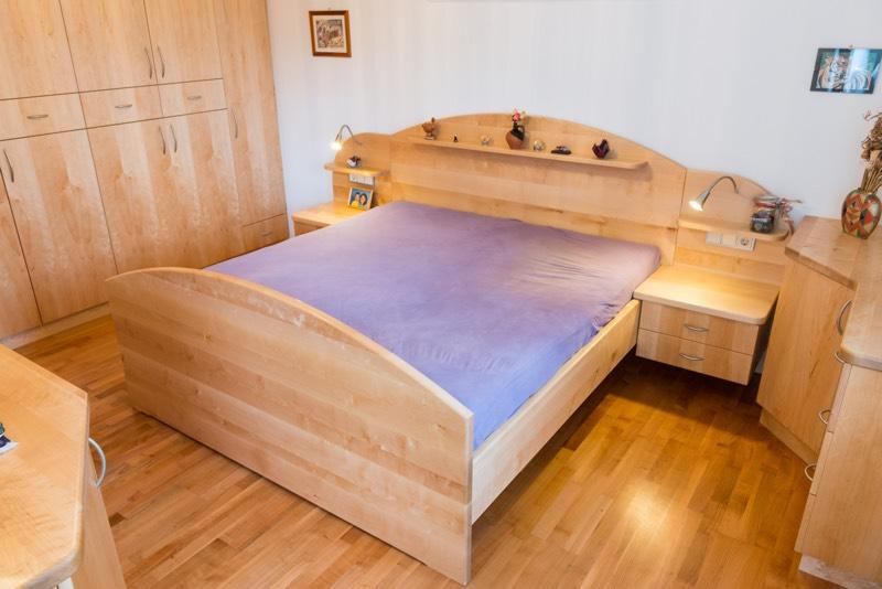 Schlafzimmer - Schrankraum - Bett - Tischlerei Friedheim